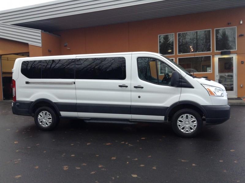 Full Size Van >> Premium Full Size 15 Passenger Van Midnight Sun Car And Van Rental